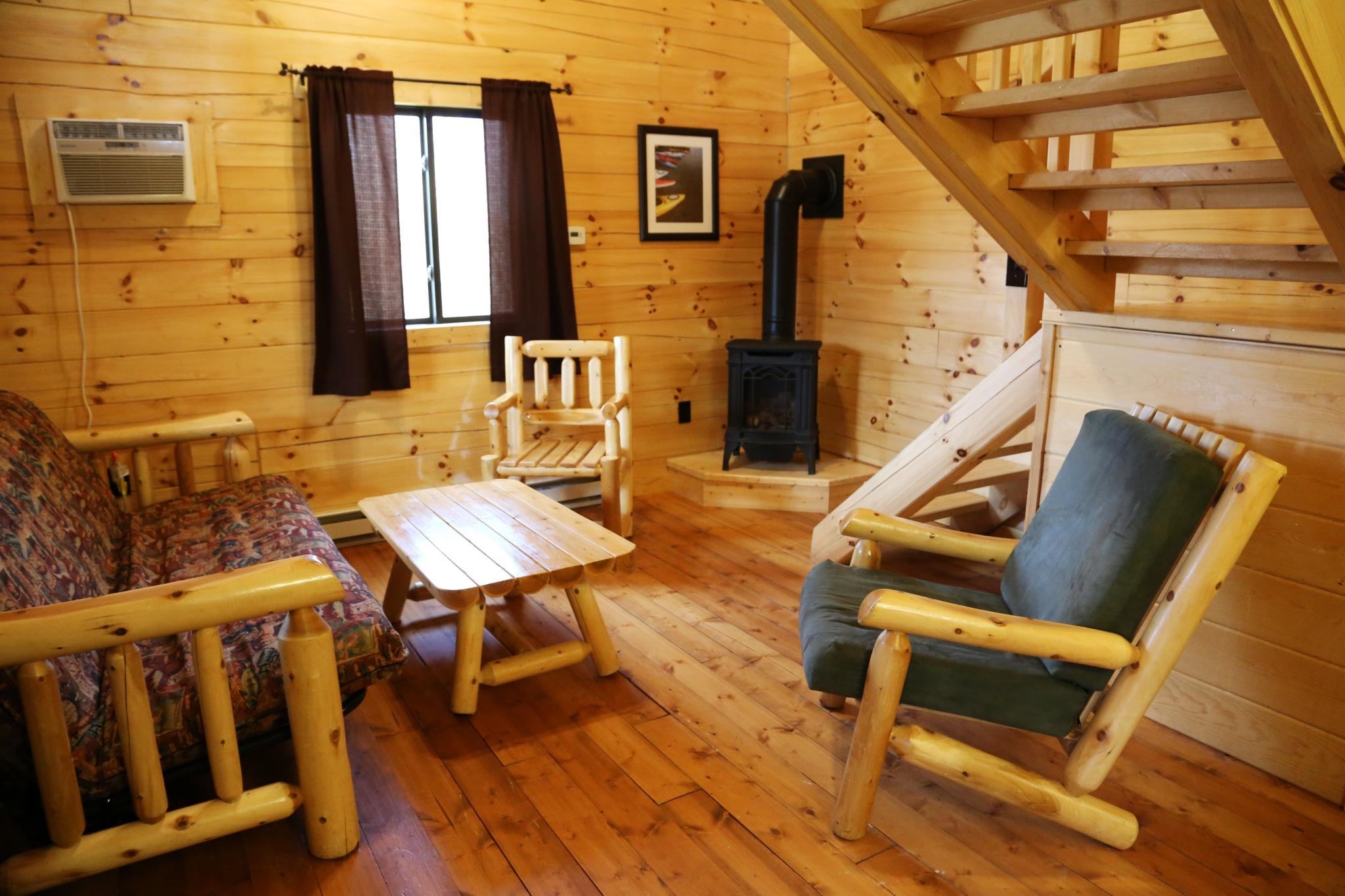Deluxe Plus cabin living room