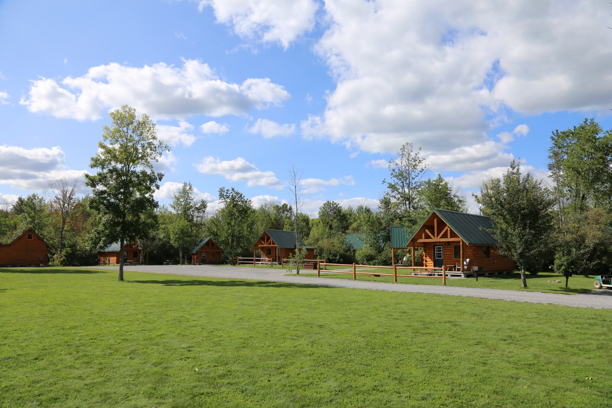 Deluxe cabins at Branches of Niagara campground